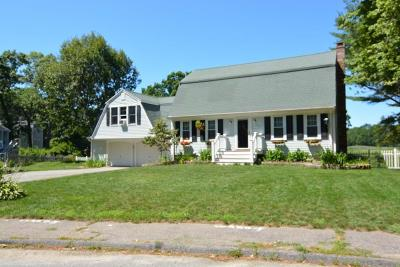 Marshfield Single Family Home For Sale: 76 Bay Point Path
