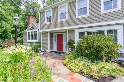 Saugus MA Single Family Home For Sale: $699,999