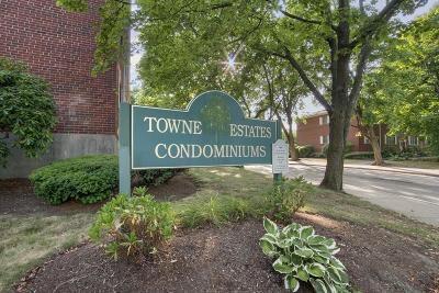 Condo/Townhouse For Sale: 165 Lake Shore Road #1
