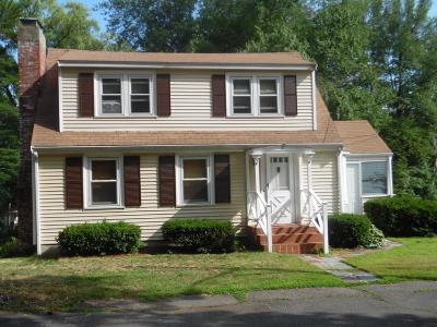 Saugus MA Single Family Home For Sale: $375,000
