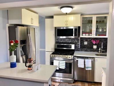 Watertown Condo/Townhouse Under Agreement: 41 Pierce Rd #41