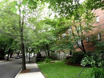 Brookline Condo/Townhouse Under Agreement: 128 Beaconsfield Road #5