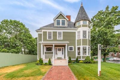 Medford Single Family Home For Sale: 18 Walnut Street