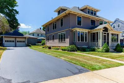 Fall River Single Family Home For Sale: 411 Stewart Street