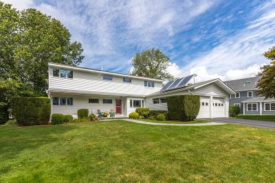 Needham Single Family Home For Sale: 48 Livingston Cir
