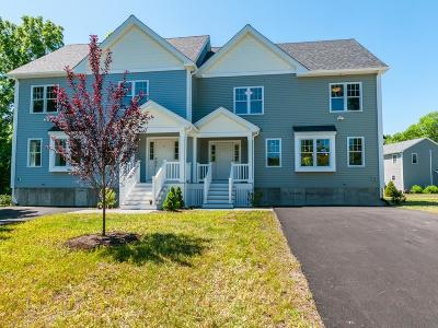 West Bridgewater Condo/Townhouse Under Agreement: 52 Brooks Place #52