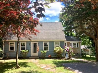 Marshfield Single Family Home Under Agreement: 100 Gotham Hill Dr