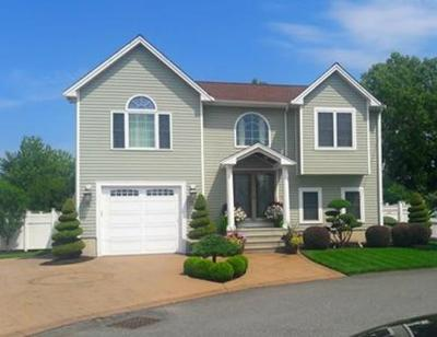 Fall River Single Family Home Price Changed: 60 Abington Ln