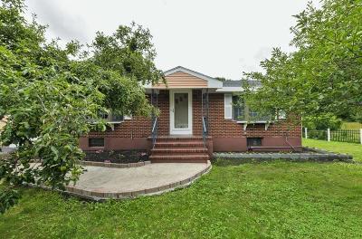 Saugus MA Single Family Home For Sale: $639,000