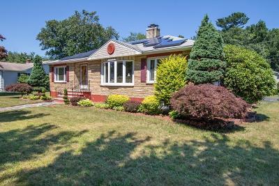 Saugus MA Single Family Home For Sale: $599,900