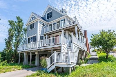 Marshfield Single Family Home For Sale: 56 Cove St