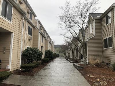 Mansfield Condo/Townhouse Under Agreement: 54 Fairfield Park #54