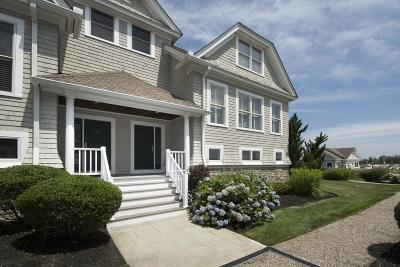 Scituate Condo/Townhouse For Sale: 60 New Driftway #26