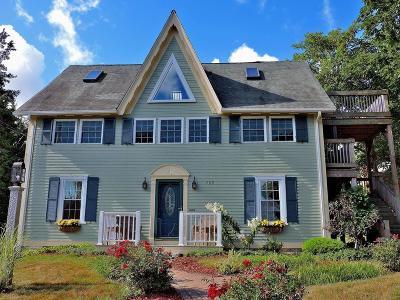 Single Family Home For Sale: 209 Sandwich Street