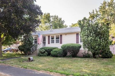 Lowell Single Family Home For Sale: 551 Princeton Blvd