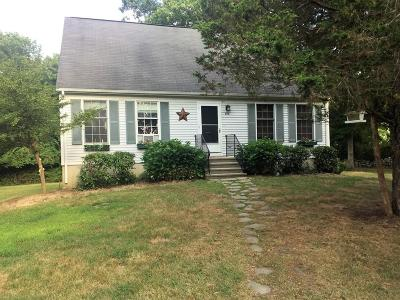 RI-Newport County Single Family Home Under Agreement: 914 Stafford Rd