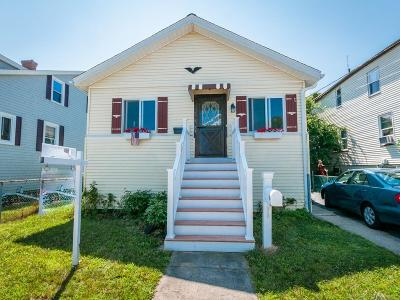 Hull Single Family Home For Sale: 58 Bates Street