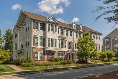 Reading MA Condo/Townhouse Under Agreement: $619,900