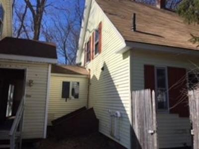 Plymouth Single Family Home For Sale: 156 1/2 Court Street