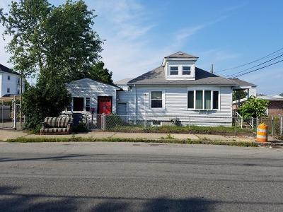 Fall River Multi Family Home For Sale: 1012-1014 Dwelly