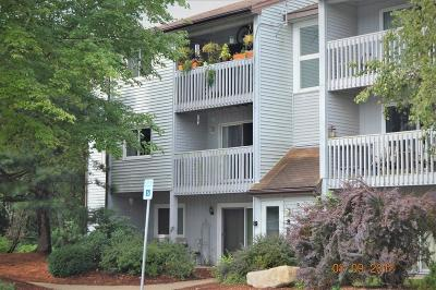 Franklin  Condo/Townhouse Contingent: 805 Franklin Crossing Rd #5