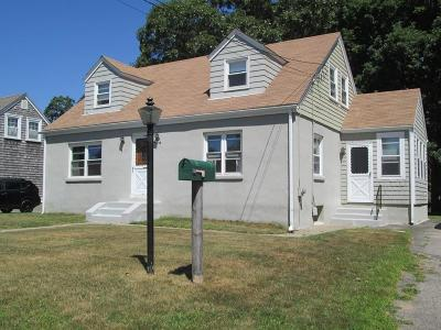 RI-Bristol County Single Family Home Under Agreement: 208 Foote St