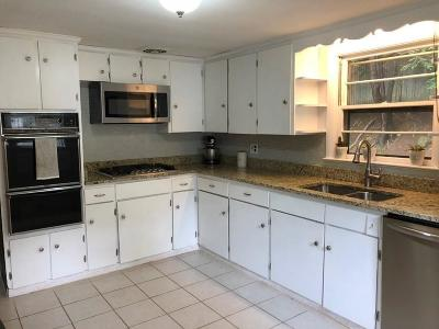 Waltham Single Family Home For Sale: 128 Amherst Ave