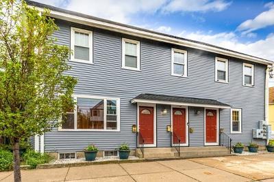 Malden Condo/Townhouse For Sale: 240 Pearl St #240