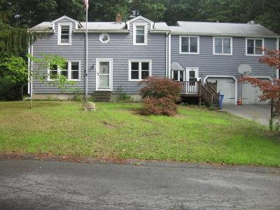 Whitman Single Family Home For Sale: 105 Candlewick Lane