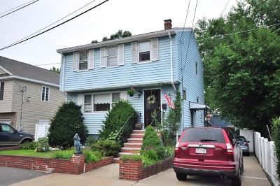 Medford Single Family Home For Sale: 120 Belle Ave