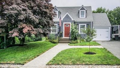 Saugus Single Family Home For Sale: 28 Newcomb Ave