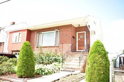 Malden Single Family Home Under Agreement: 7 Malden Street Park