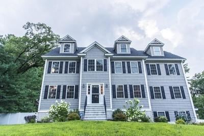 Billerica, Burlington Single Family Home For Sale: 71 Wilmington Rd