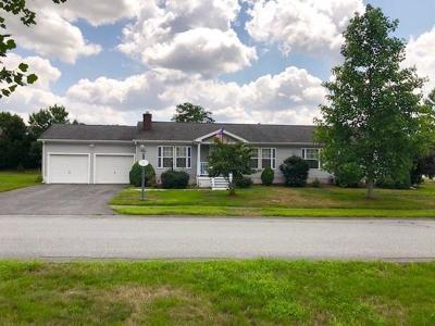 Middleboro Single Family Home Under Agreement: 101 Simmons Road #Oak Poin