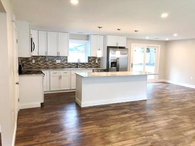 Bellingham Single Family Home For Sale: 132 Ruthellen Rd