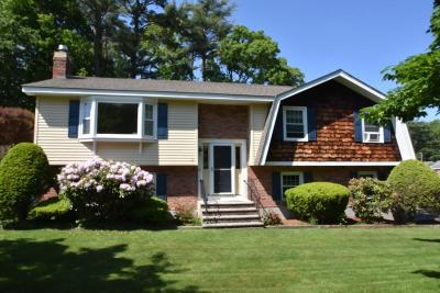 Beverly Single Family Home For Sale: 12 Kennel Hill Drive
