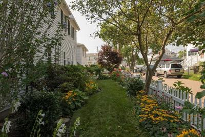 Hull Single Family Home For Sale: 2 8th St