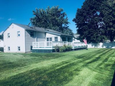 Hudson Single Family Home For Sale: 6 Huron Dr