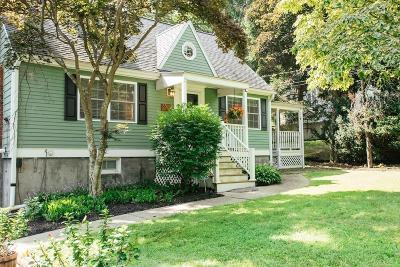 Burlington Single Family Home For Sale: 85 Peach Orchard Rd