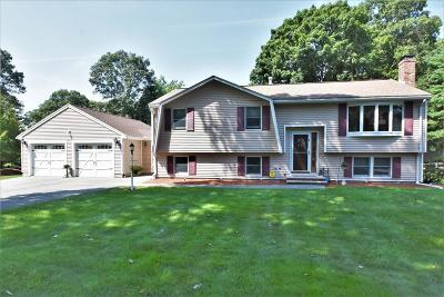 Billerica Single Family Home For Sale: 2 Lexington Farm Way