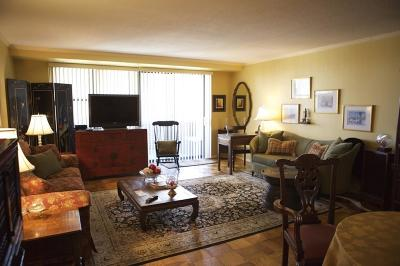 Rental For Rent: 2 Hawthorne Place #FURN.