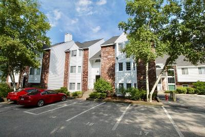 Weymouth Condo/Townhouse Under Agreement: 121 Tall Oaks Dr #P