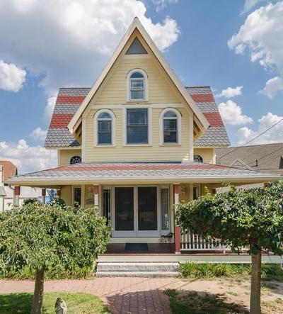 Hull Single Family Home Price Changed: 10 Main Street