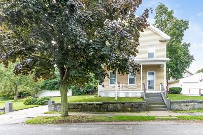 Milton Single Family Home For Sale: 39 Sheldon St