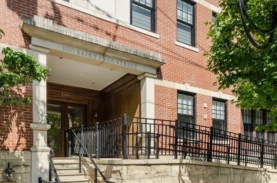 Condo/Townhouse Under Agreement: 100 Saint Paul St #102
