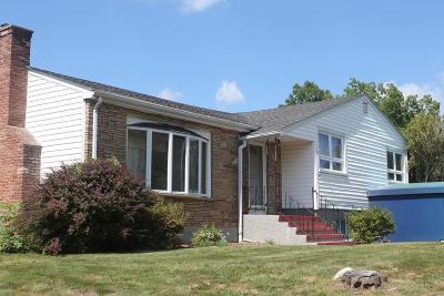 Burlington Single Family Home For Sale: 62 Lexington Street