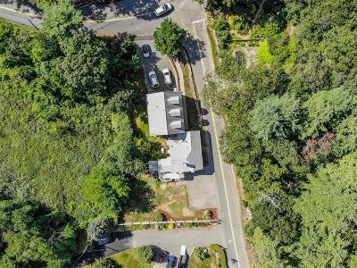 Beverly Single Family Home For Sale: 228 Common Ln