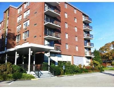 Condo/Townhouse Under Agreement: 20 Hammond Pond Pkwy #506