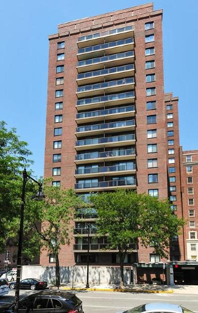 Condo/Townhouse Under Agreement: 180 Beacon Street #10A