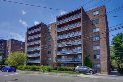 Watertown Condo/Townhouse Under Agreement: 32 Whites Avenue #D43